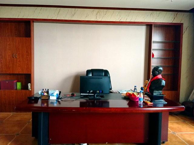 办公环境.jpg